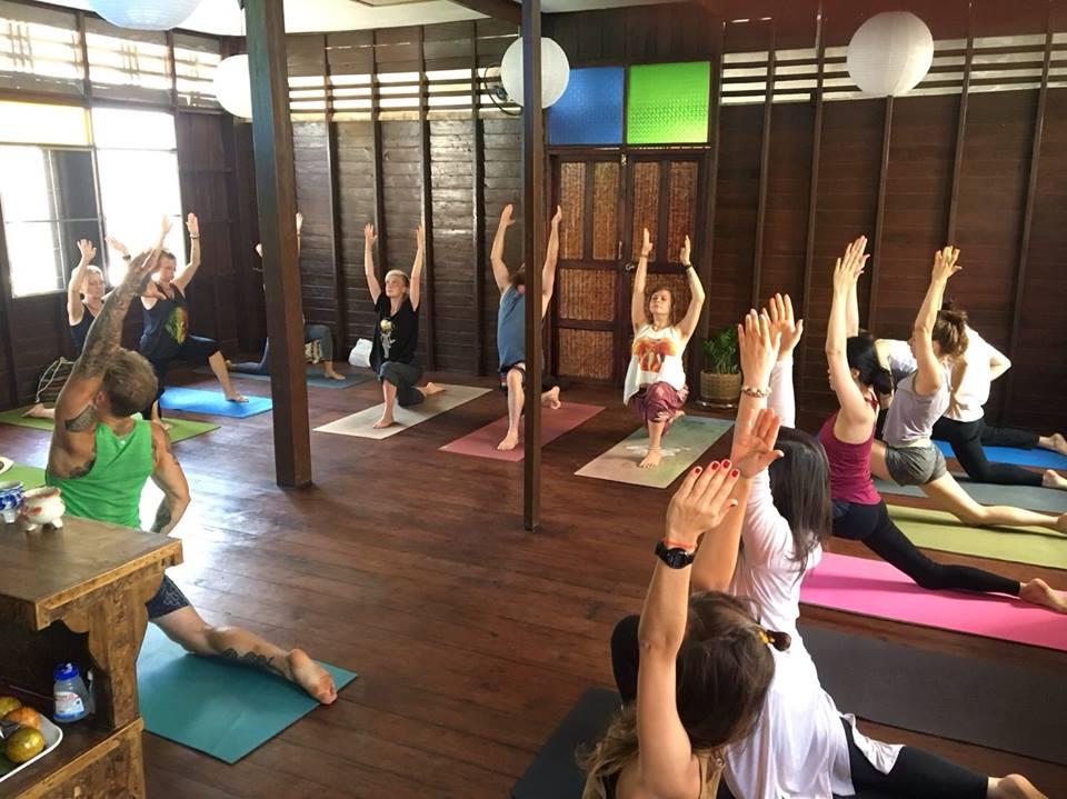 group yoga class chiang mai